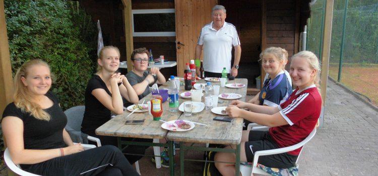 Grillen mit den Jugendlichen