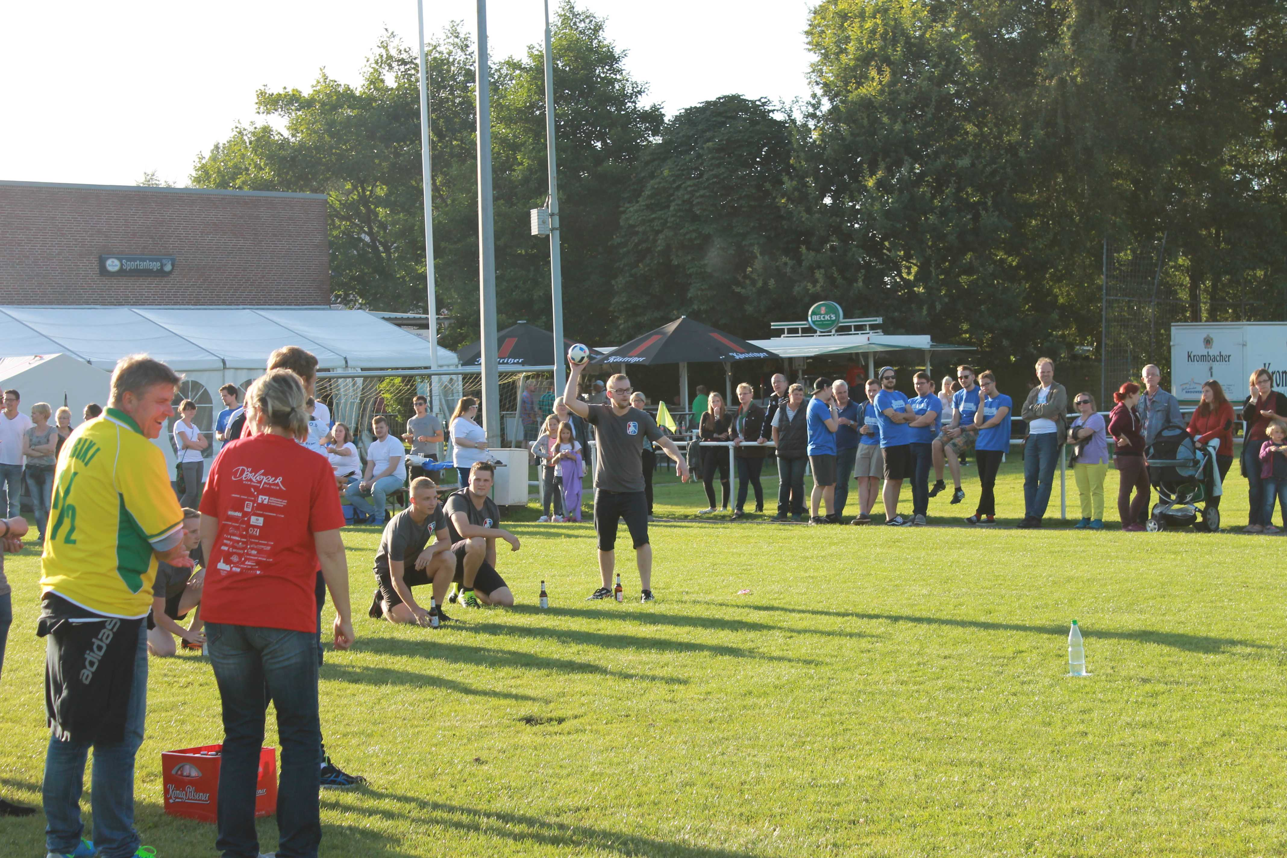 2016-08-05 Sportwoche - zweiter Freitag - Flunkyball (10)