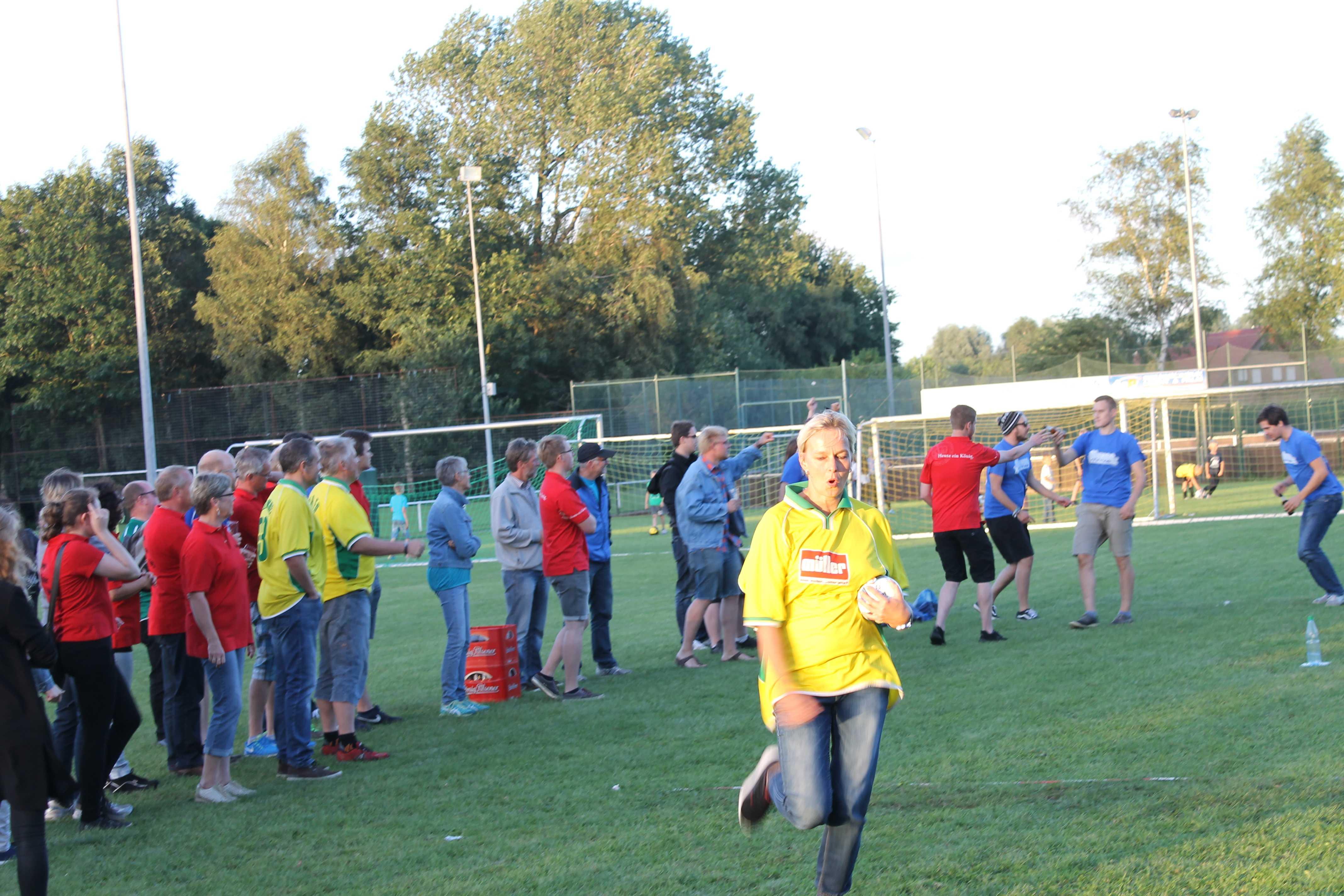 2016-08-05 Sportwoche - zweiter Freitag - Flunkyball (101)