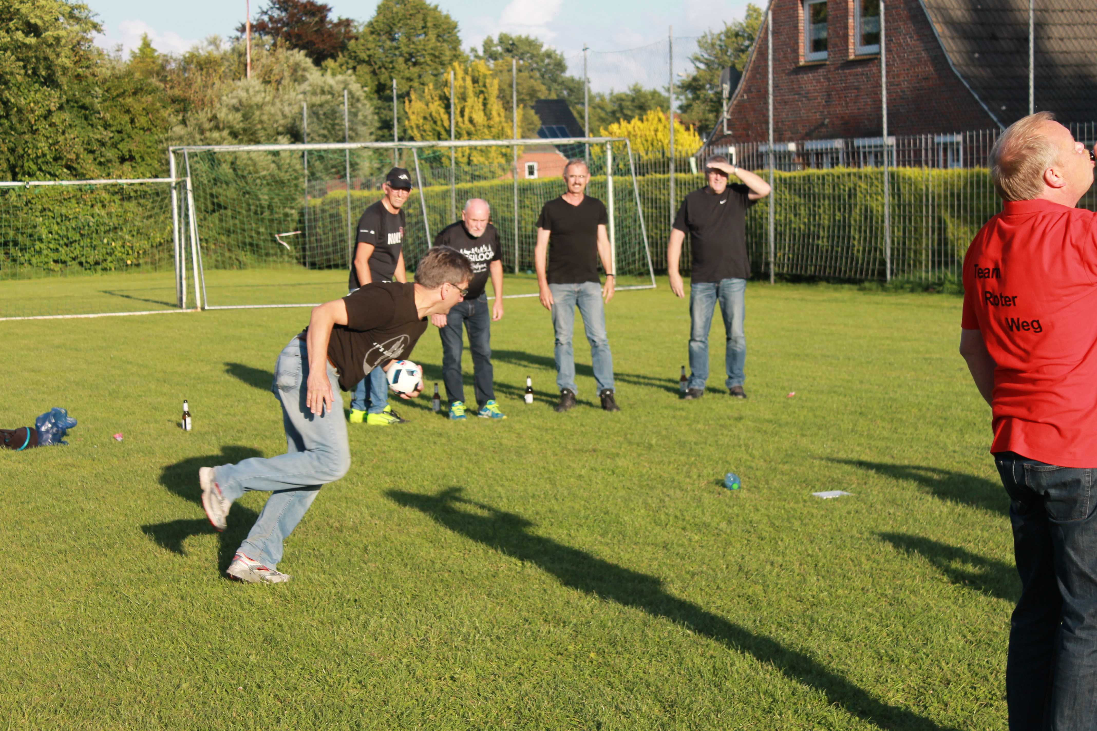 2016-08-05 Sportwoche - zweiter Freitag - Flunkyball (15)