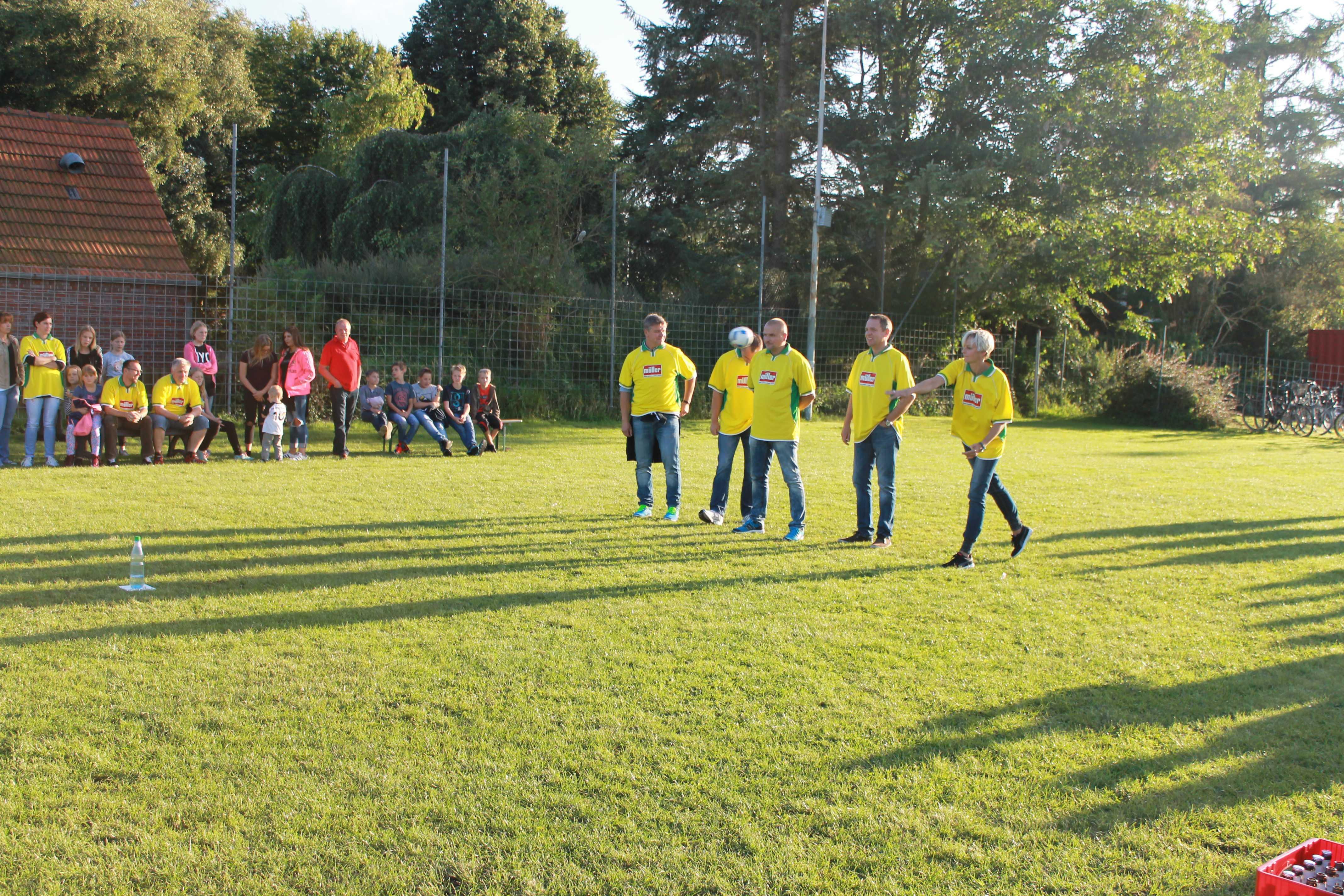 2016-08-05 Sportwoche - zweiter Freitag - Flunkyball (23)
