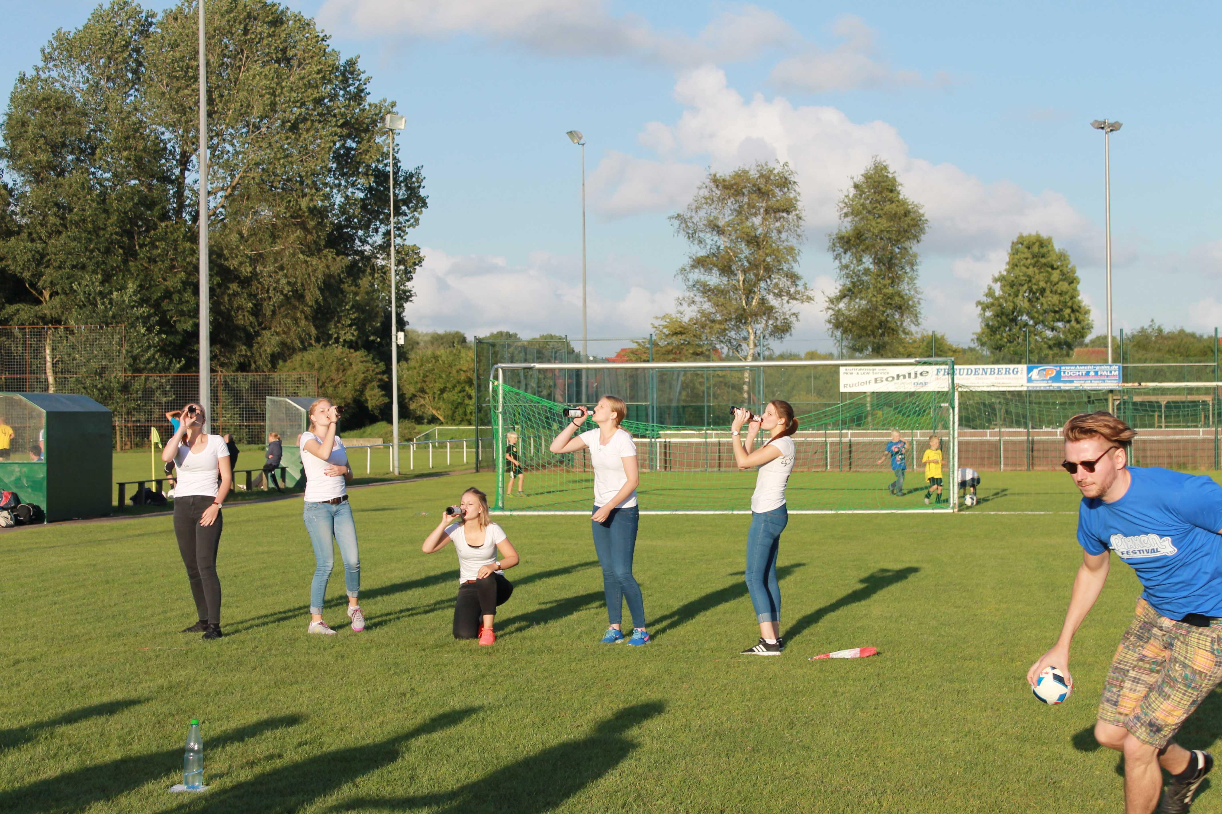 2016-08-05 Sportwoche - zweiter Freitag - Flunkyball (25)