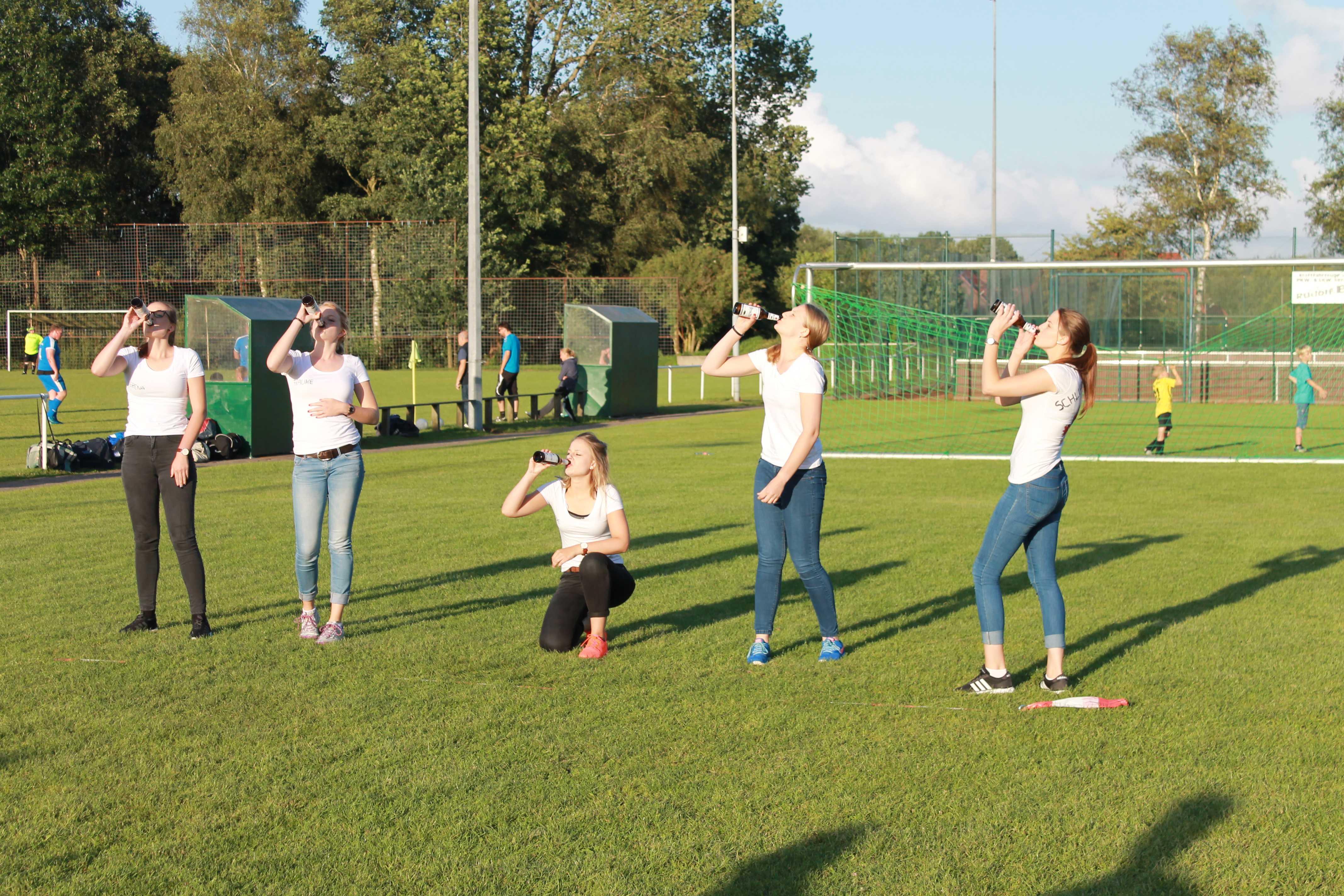 2016-08-05 Sportwoche - zweiter Freitag - Flunkyball (33)