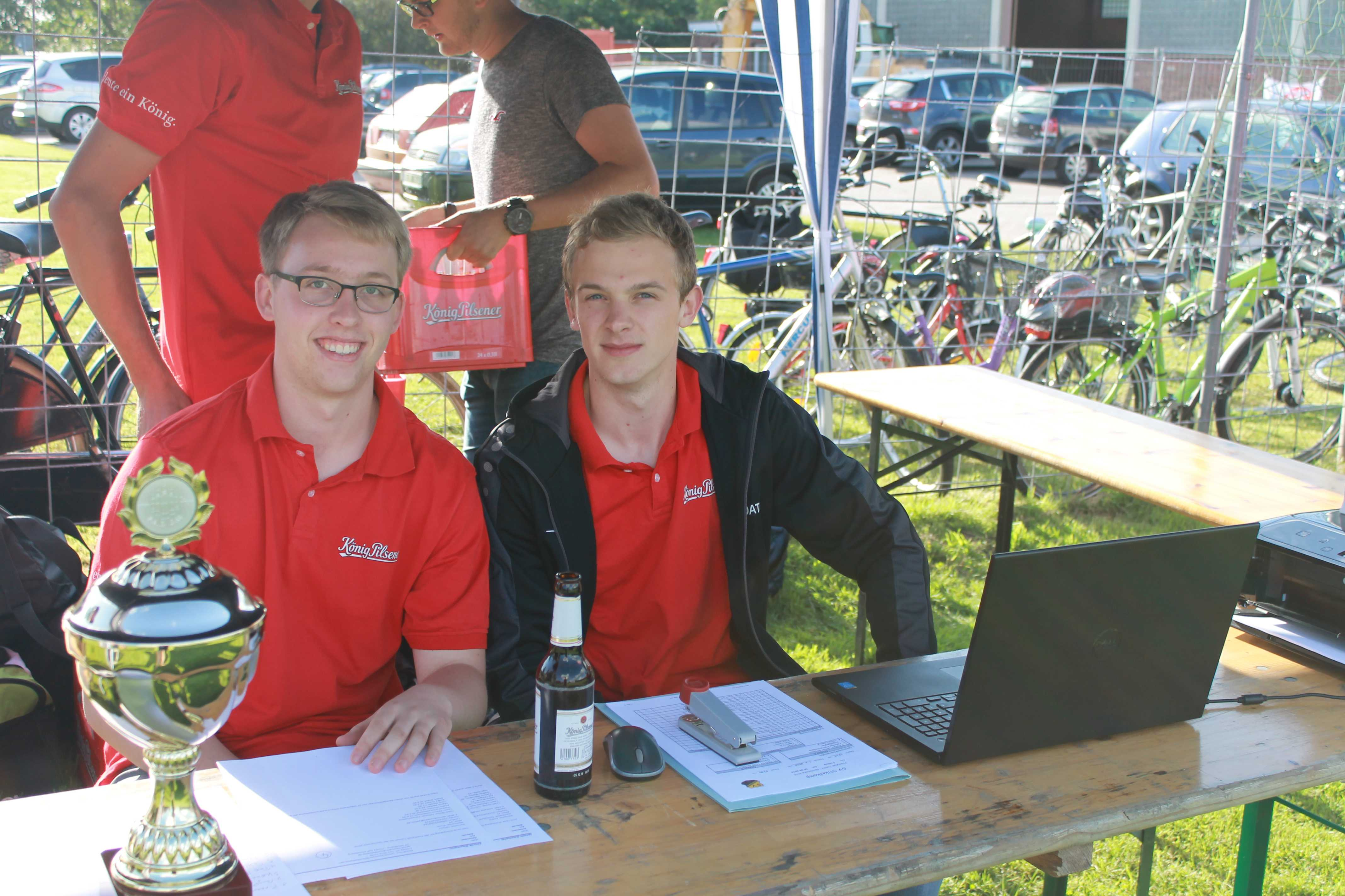 2016-08-05 Sportwoche - zweiter Freitag - Flunkyball (4)