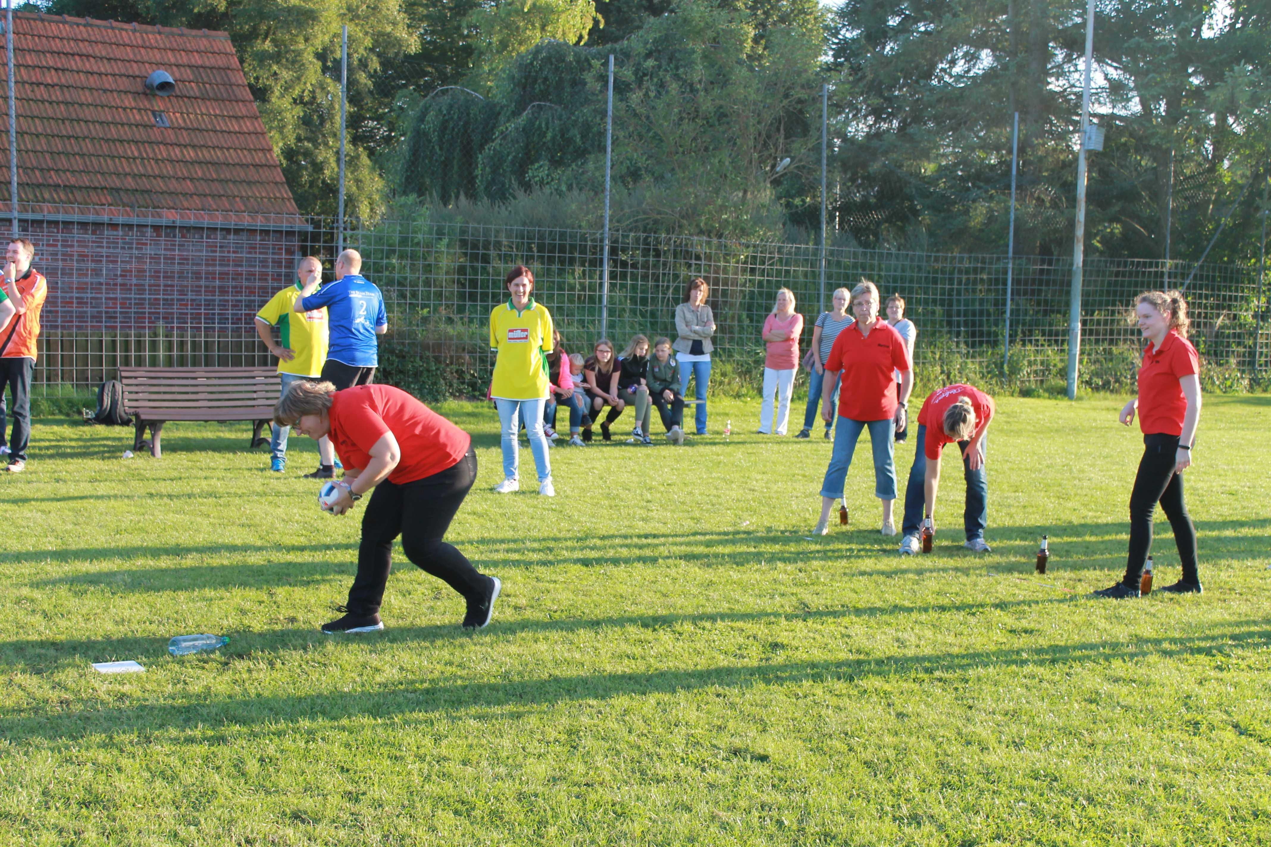 2016-08-05 Sportwoche - zweiter Freitag - Flunkyball (50)