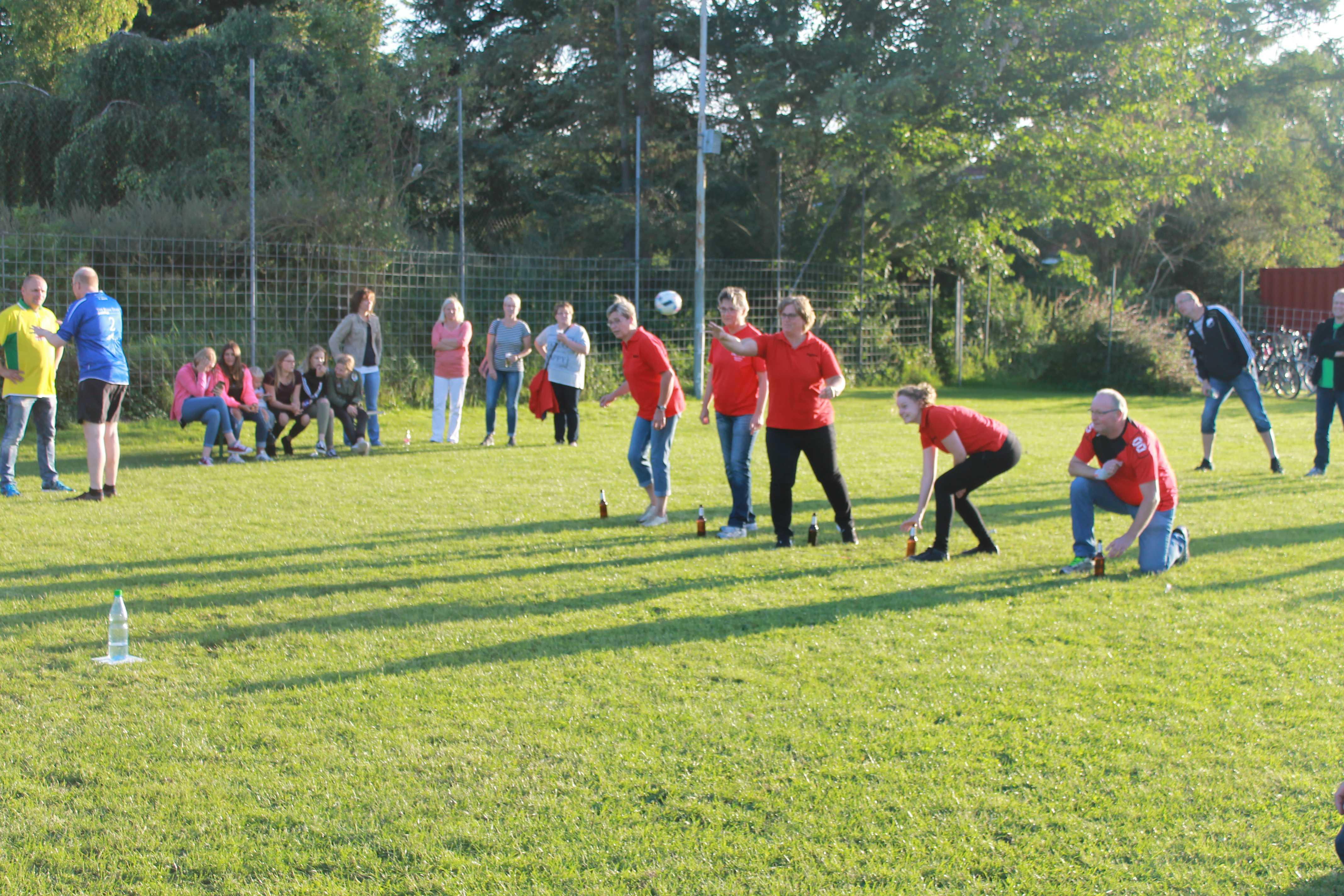 2016-08-05 Sportwoche - zweiter Freitag - Flunkyball (52)