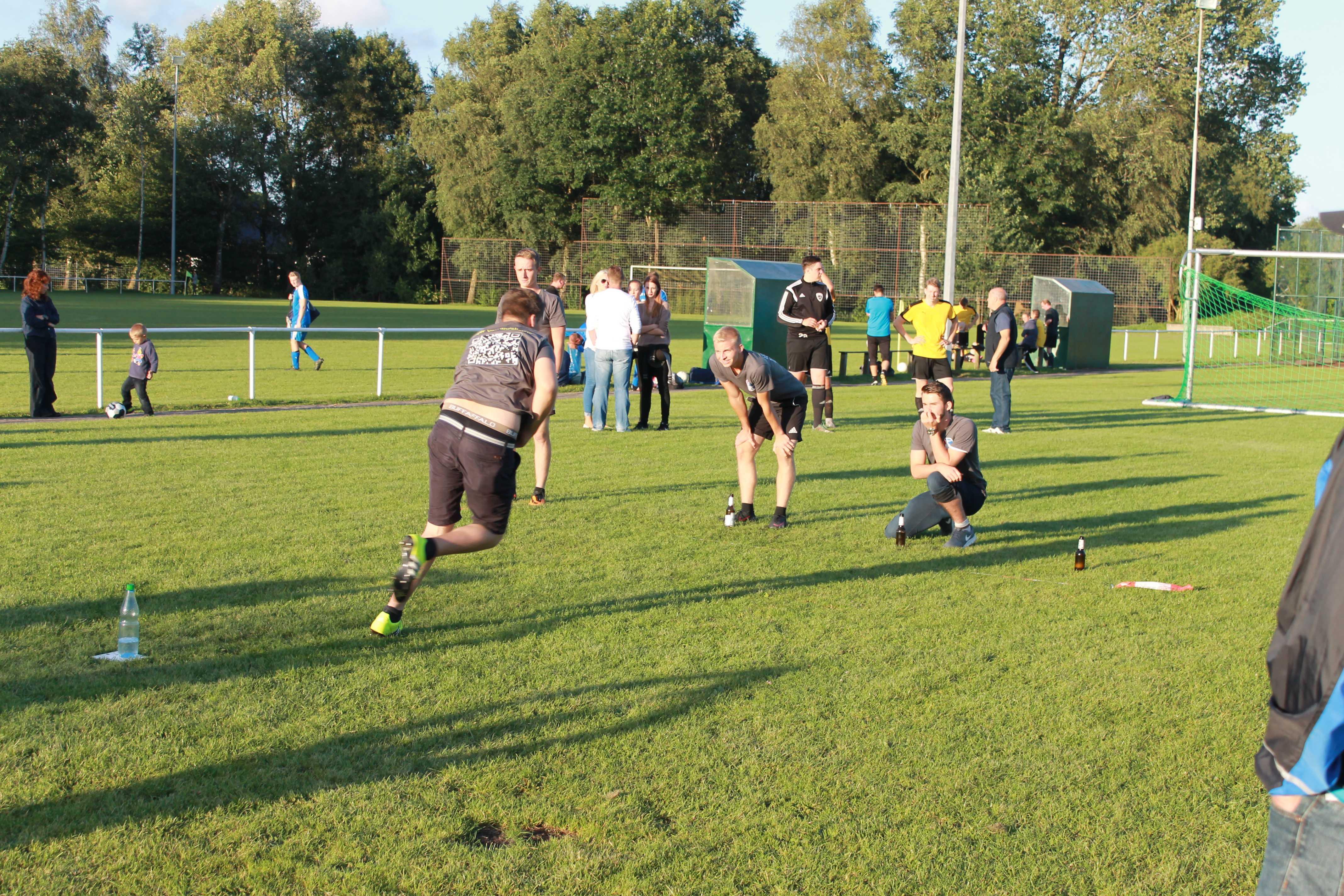 2016-08-05 Sportwoche - zweiter Freitag - Flunkyball (63)