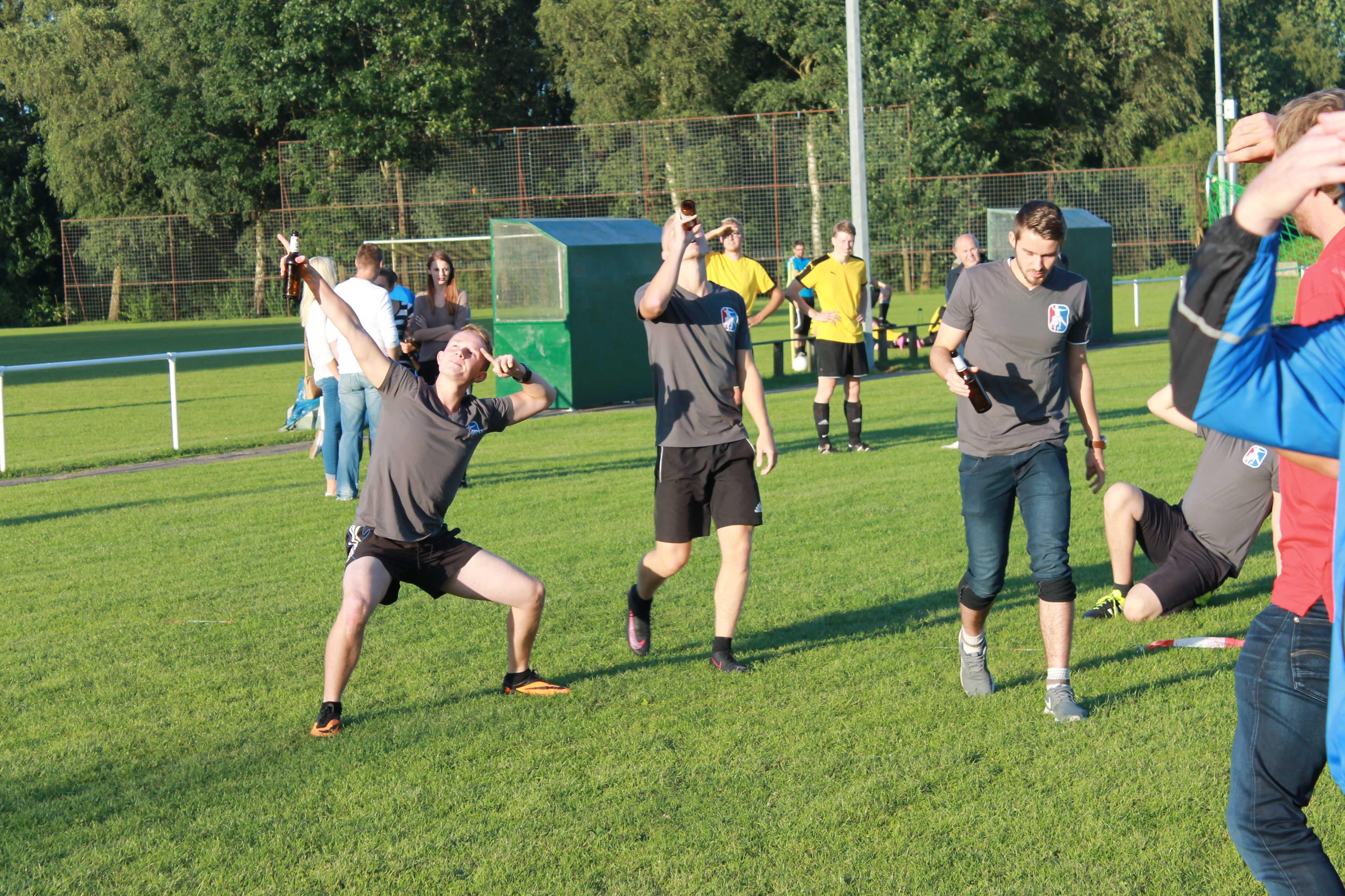 2016-08-05 Sportwoche - zweiter Freitag - Flunkyball (67)