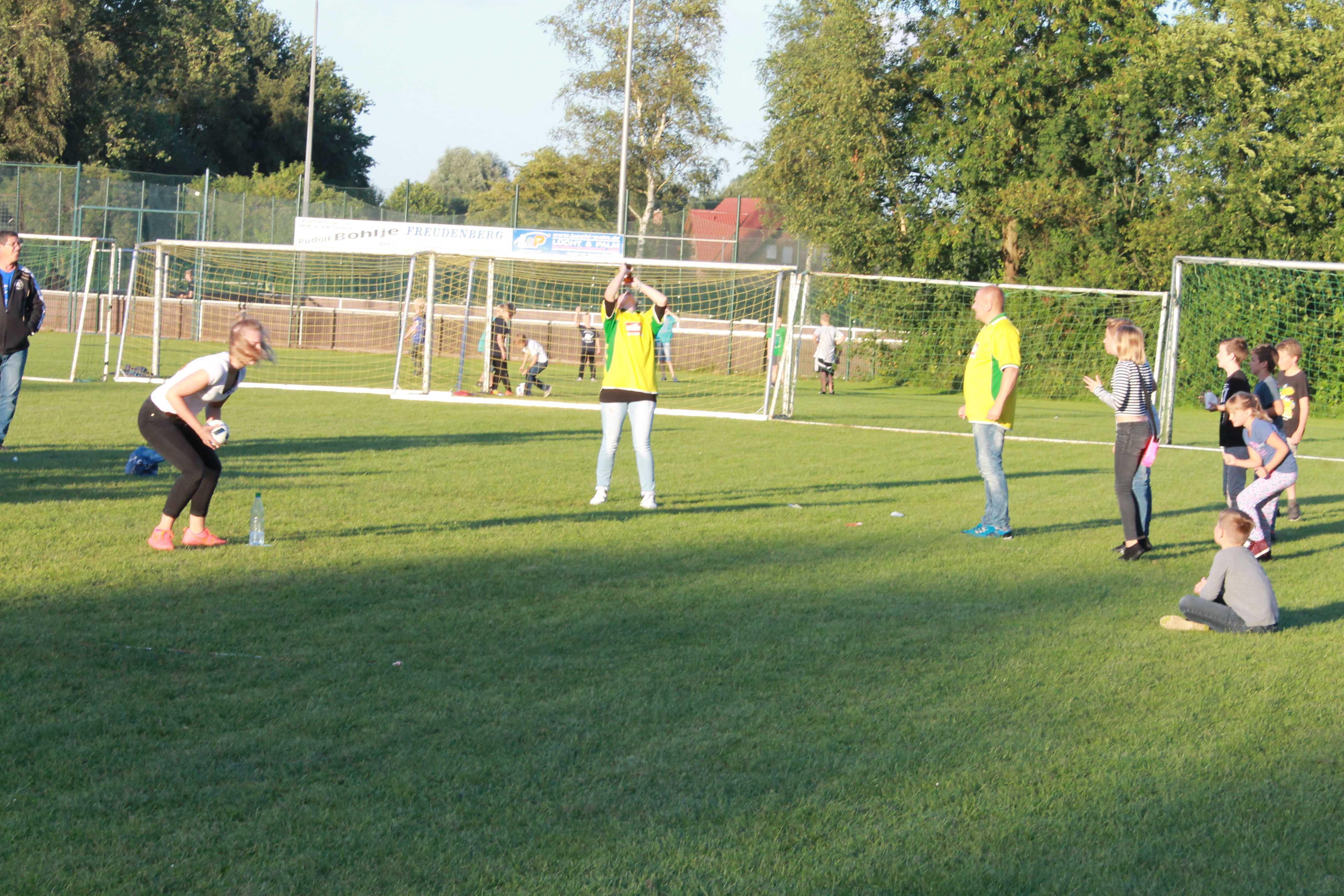 2016-08-05 Sportwoche - zweiter Freitag - Flunkyball (74)